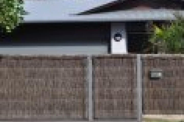 Fencing Companies Thatched fencing 720 480